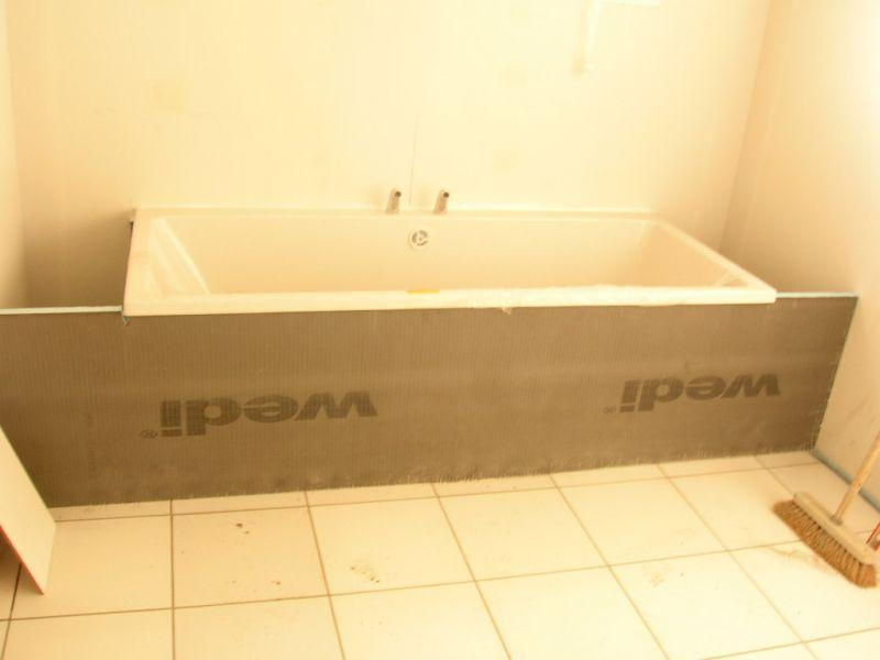 26 f vrier suite carrelage et habillage baignoire for Comment renover une baignoire